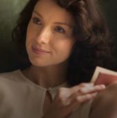 Outlander_Cast_Claire_420x560