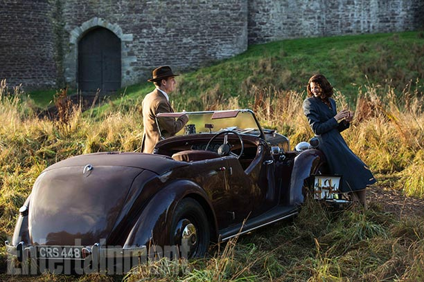 Outlander Official Claire and Frank