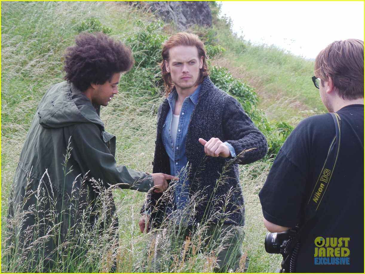 outlander-sam-heughan-jj-spotlight-behind-the-scenes-photos-08