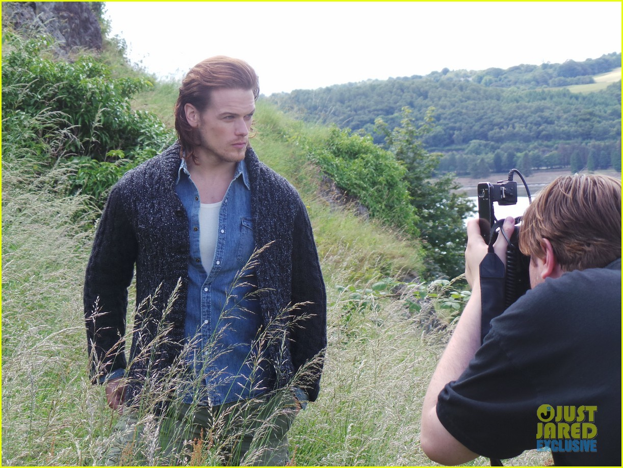 outlander-sam-heughan-jj-spotlight-behind-the-scenes-photos-09